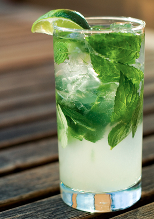 low-calorie-cocktails-asian-mojito