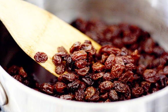 cleaning-the-liver-with-raisins-traditional-russian-medicines-recipe