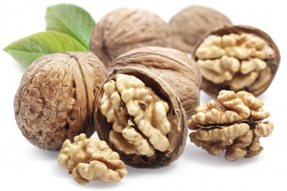 walnuts-autumn-fruit-with-amazing-health-benefits1