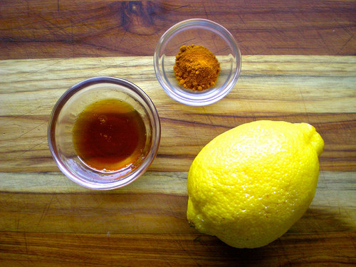 why-you-should-drink-hot-water-with-lemon-and-turmeric1
