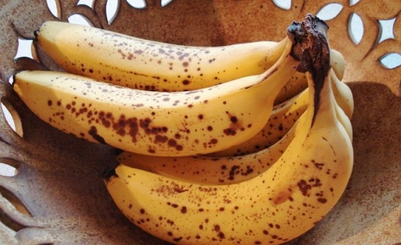 what-happens-with-your-body-when-you-eat-ripe-bananas-with-dark-spots