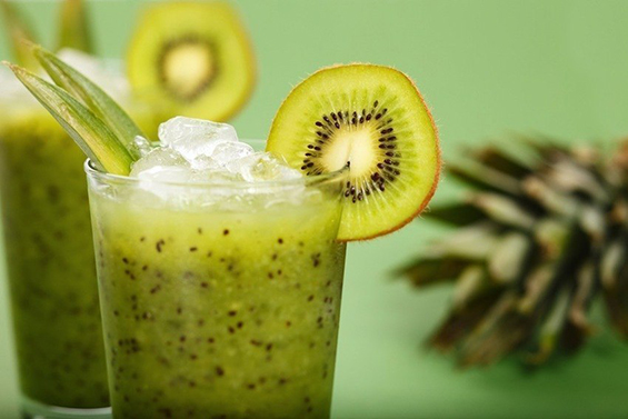 delicious-green-smoothie-for-cleansing-the-body-of-toxins